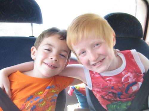 O Eliot e O Diogo, o primo dele (Eliot and Diogo, his cousin)
