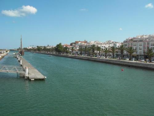 From footbridge between Lagos Marina and the Avenida